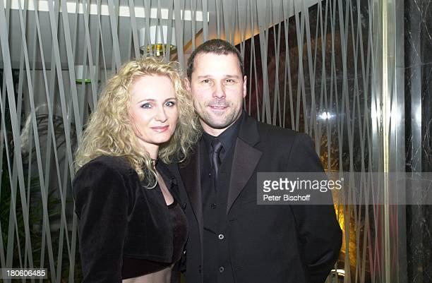 Sängerin Nicole Ehemann Winfried Seibert Verleihung Echo 2002 ICC Berlin Deutschland Europa Sängerin Mann