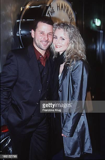 Sängerin Nicole Mit Ihrem Ehemann Winfried Seibert Bei Alster Radio Hitwellen Gala In Hamburg Am 020299 Alsterradio