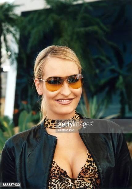 Sängerin Pop D Porträt mit Sonnenbrille