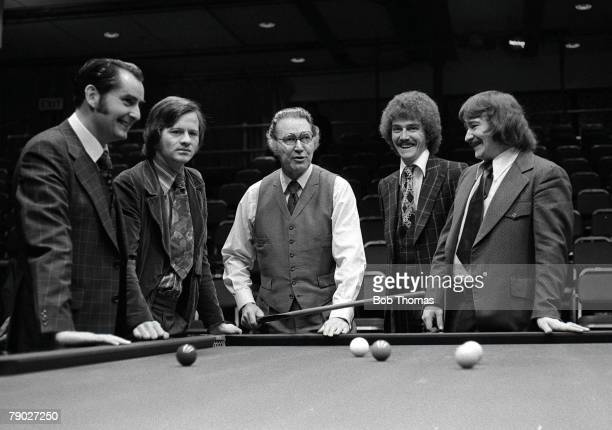 """Snooker, Benson and Hedges Masters, January L-R"""" Ray Reardon, Alex Higgins, John Pulman , Cliff Thorburn and Bill Werbenick share a joke at the table"""