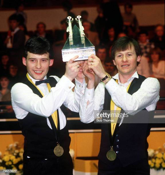 Snooker Hofmeister World Doubles Championship 1984 Alex Higgins with Jimmy White hold the trophy after beating Willie Thorne Cliff Thorburn