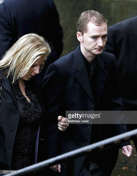 Snooker player Graeme Dott attends the funeral of Paul Hunter at Leeds Parish Church on October 19 2006 in Leeds England The threetime Masters...