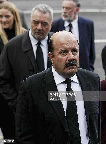 Snooker players Willie Thorne attend the funeral of Paul Hunter at Leeds Parish Church on October 19 2006 in Leeds England The threetime Masters...