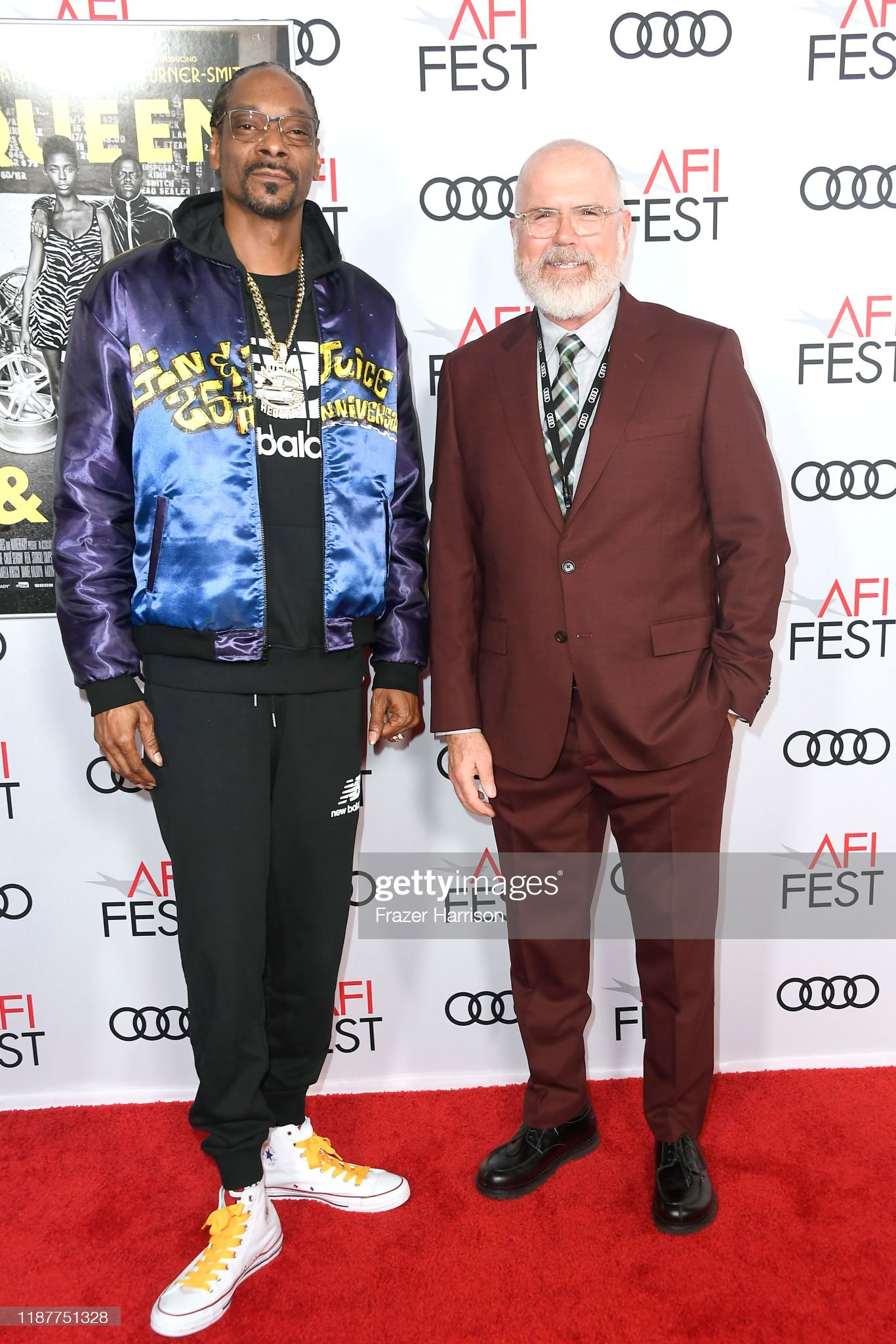¿Cuánto mide Bob Gazzale? - Real height Snoop-dogg-and-afi-festivals-director-michael-lumpkin-attend-the-picture-id1187751328?s=2048x2048