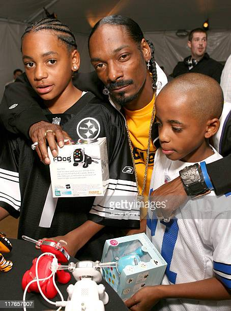 Snoop Dogg and sons during My Scene Fab Faces Dolls Celebrity Retreat Produced by Backstage Creations at the 2006 Teen Choice Awards Day 2 at Gibson...