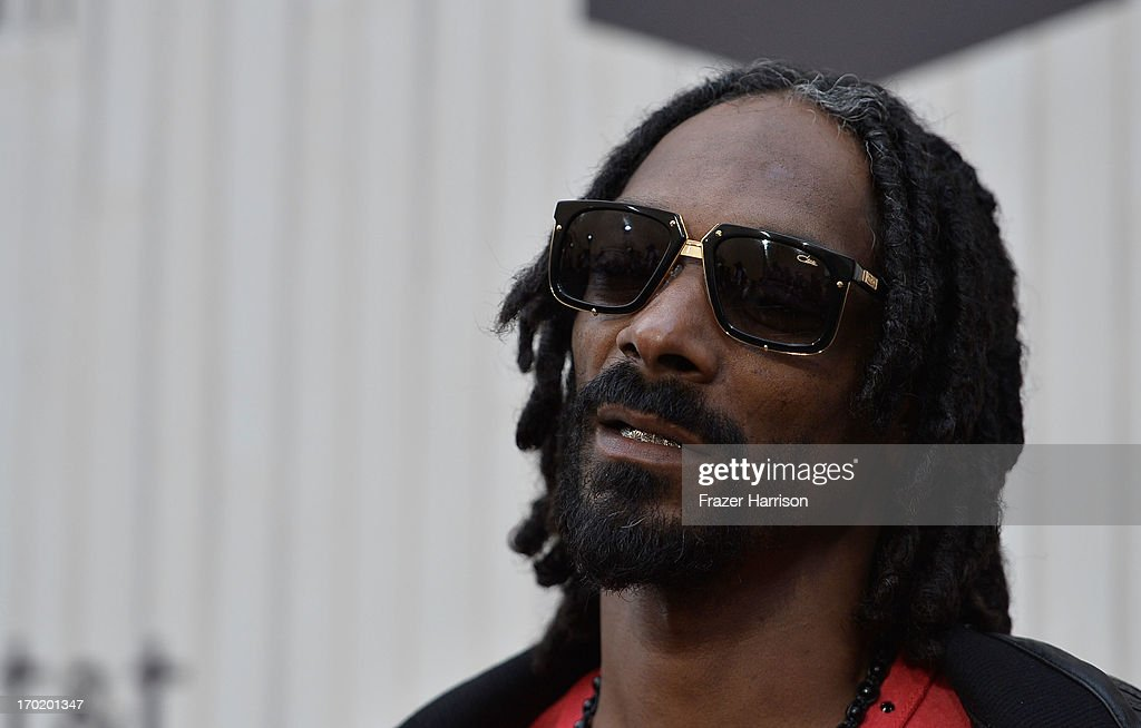 Snoop Dogg attends Spike TV's 'Guys Choice 2013' at Sony Pictures Studios on June 8, 2013 in Culver City, California.