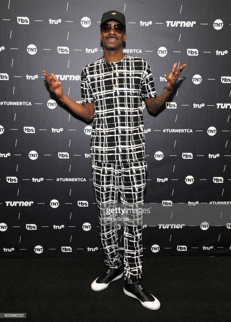 Snoop Dogg of 'The Joker's Wild' at the TCA Turner Summer Press Tour 2017 Green Room at The Beverly Hilton Hotel on July 27, 2017 in Beverly Hills, California. 27186_001