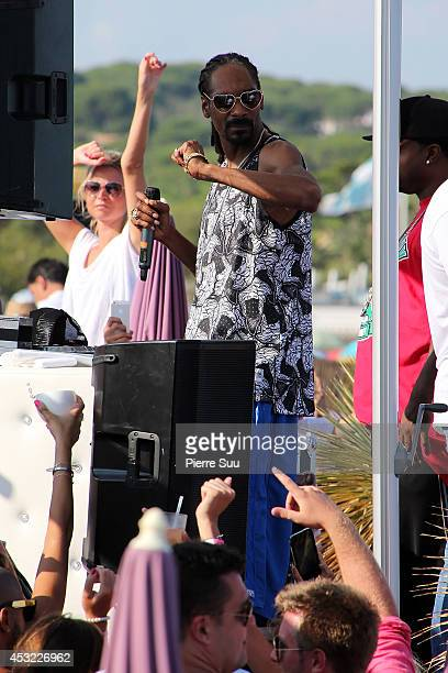 Snoop Dogg performs at Pampelonne Beach on August 5 2014 in SaintTropez France