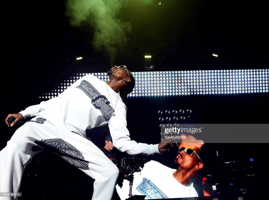 Snoop Dogg performs onstage during the Bad Boy Family Reunion Tour at The Forum on October 4, 2016 in Inglewood, California.