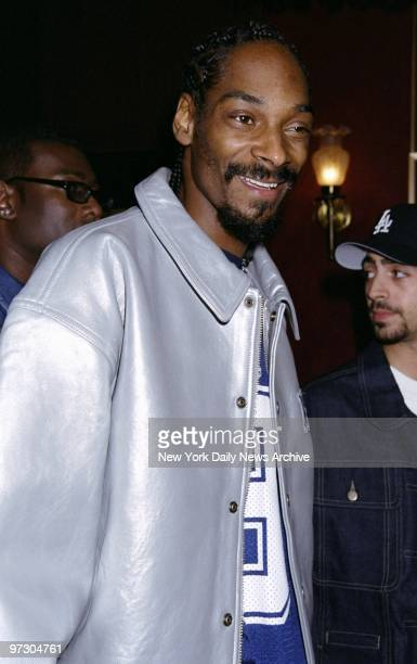 Snoop Doggy Dogg arrives for the premiere of the movie 'Bamboozled' at the Ziegfeld Theater