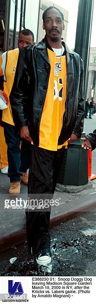 Snoop Doggy Dogg leaving Madison Square Garden March 19 2000 in NY after the Knicks vs Lakers game