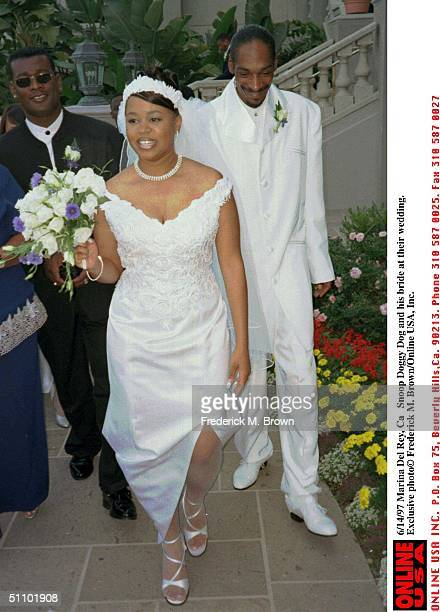Snoopy Doggy Dogg And His Bride On Their Wedding At The Ritz Carlton Hotel In Marina Del Rey California Exclusive