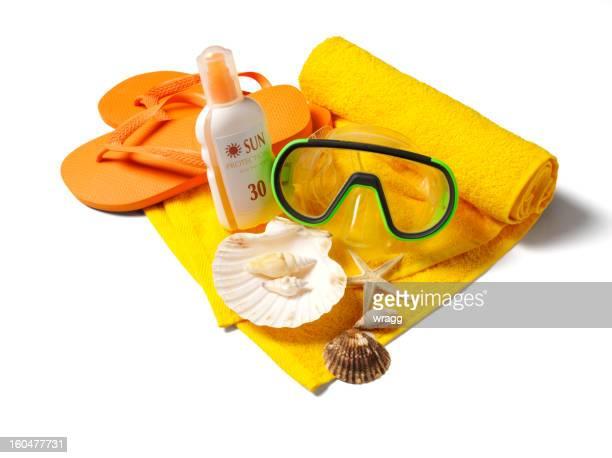 シュノーケルマスク、ビーチサンダルや日焼け防止 - サンダル ストックフォトと画像