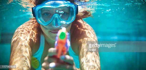 La plongée avec masque et tuba avec watergun
