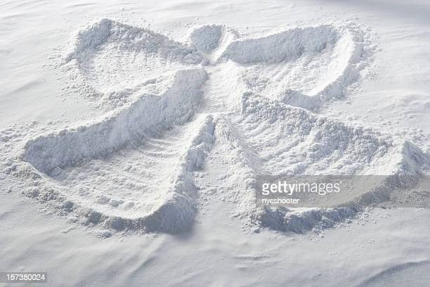 https://media.gettyimages.com/photos/snow-angel-picture-id157380024?s=612x612