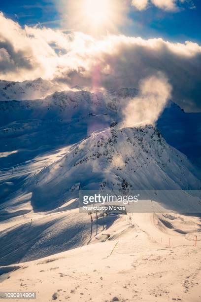 snow covered alps on sunny day, arosa, graubunden, switzerland - アロサ ストックフォトと画像