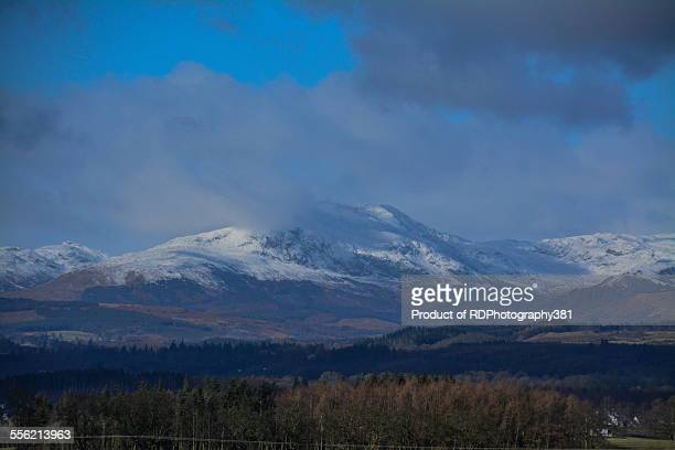 snow covered ochils - crieff stock pictures, royalty-free photos & images