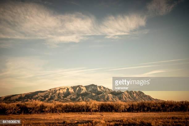 Schneebedeckte Sandia Berge