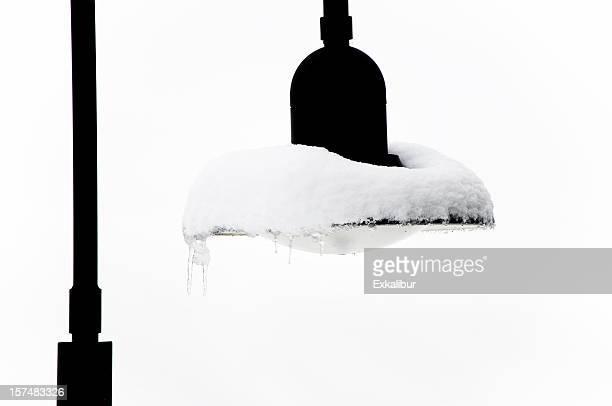 Schneebedeckte street Lampe