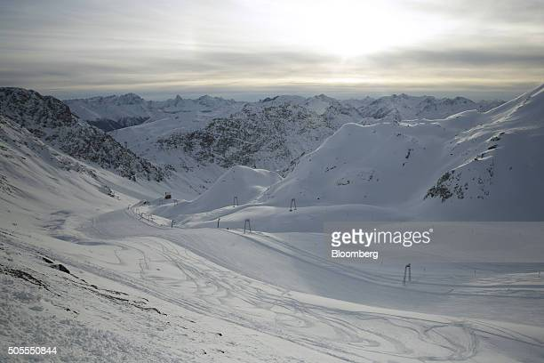 Snow covers a ski run on the Parsenn mountains above the town of Davos Switzerland on Monday Jan 18 2015 World leaders influential executives bankers...