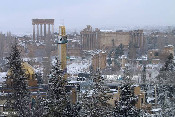 Snow covers the ground in the ancient Lebanese city of Baalbek in the eastern Bekaa Valley on Januray 1 2016 AFP PHOTO / STR / AFP /