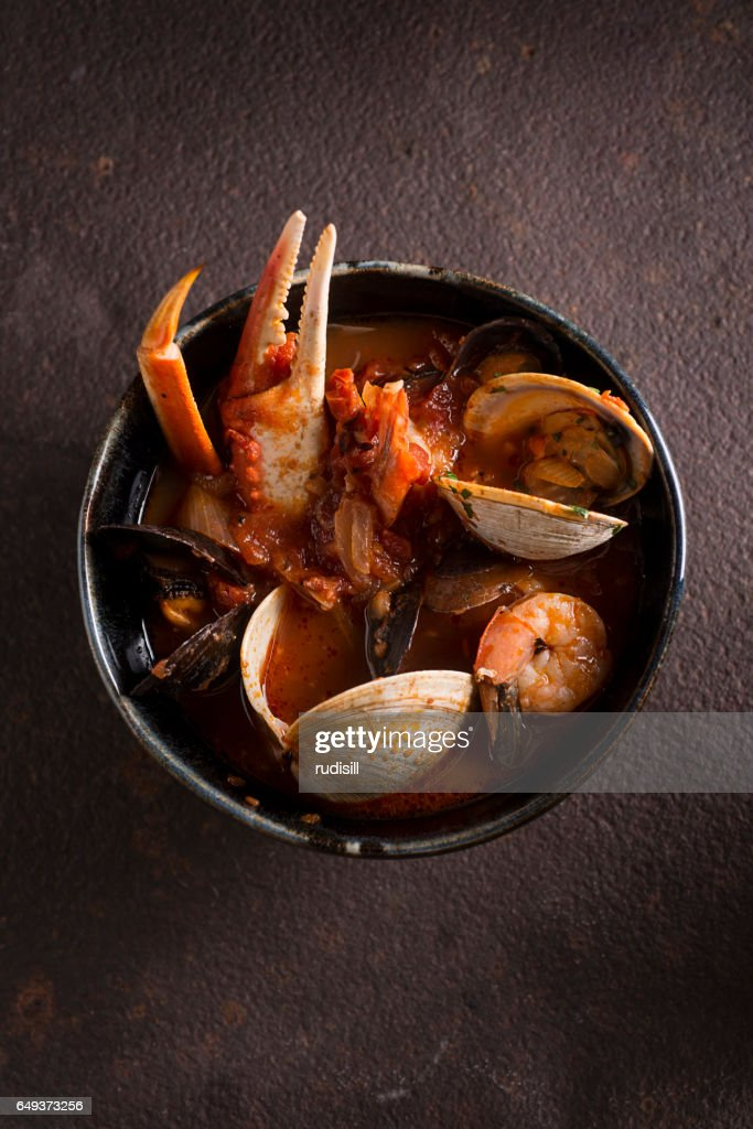 Snow Crab Cioppino : Stock Photo