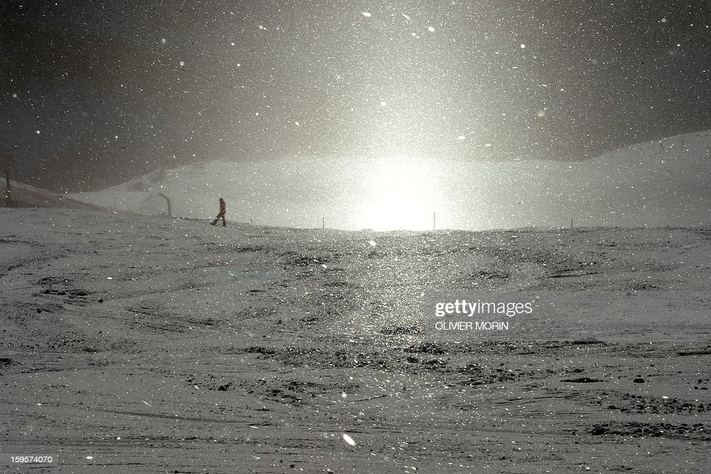Snow crystals are seen in the sun during the Men's World Cup Downhill training, on January 16, 2013 in Wengen.