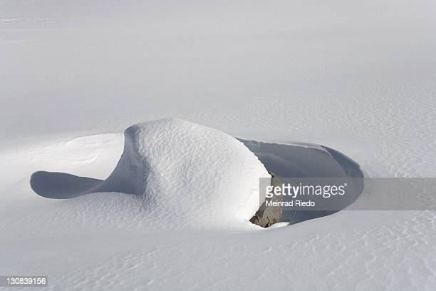 snow drifts, rock, schwarzsee pre-alps, kaiseregg, freiburg canton, switzerland - pre season bildbanksfoton och bilder