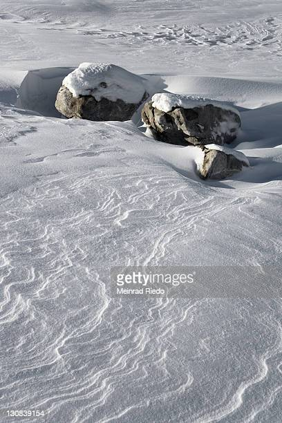 snow drifts, rocks, schwarzsee pre-alps, kaiseregg, freiburg canton, switzerland - pre season bildbanksfoton och bilder