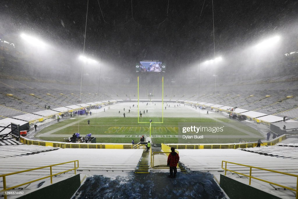 Tennessee Titans v Green Bay Packers : News Photo
