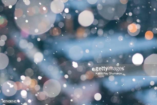 snow globe of dreamy cityscapes - 雪が降る ストックフォトと画像