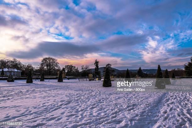 snow in metz - moselle stockfoto's en -beelden