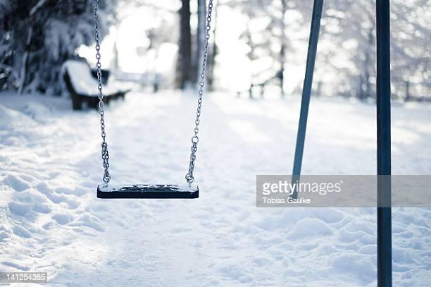 snow in playground - tobias gaulke stock-fotos und bilder
