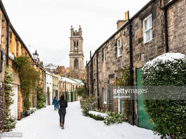 snow in stockbridge, edinburgh - edinburgh scotland stock pictures, royalty-free photos & images