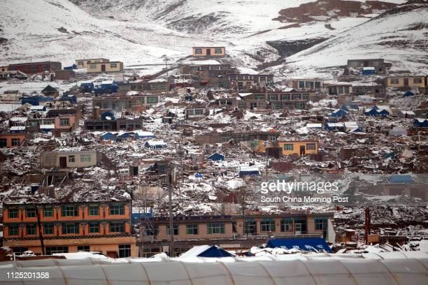 Snow in the quake-hit town of Jiegu, Yushu county in Qinghai province. Jiegu was the most devastated region when the quake struck last Wednesday,...