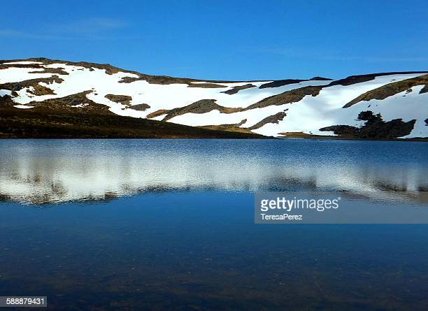 snow lake - zamora stock pictures, royalty-free photos & images