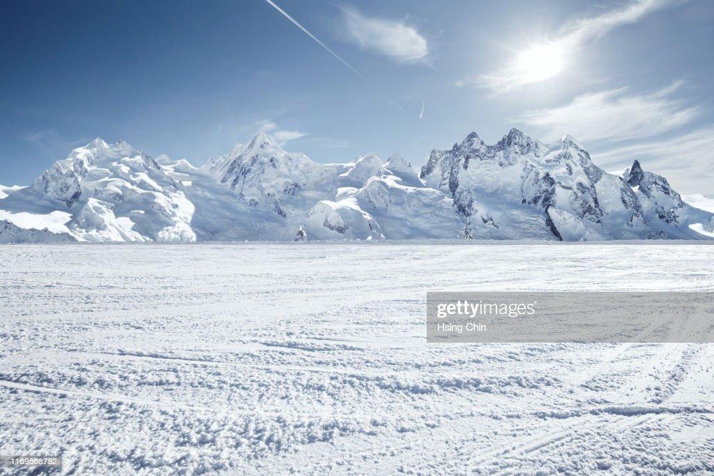 Snow mountain in Switzerland : Stockfoto