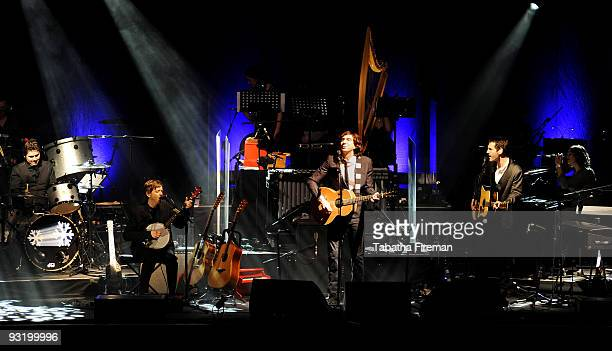 Snow Patrol perform on stage at the Brighton Centre on November 18, 2009 in Brighton, England.