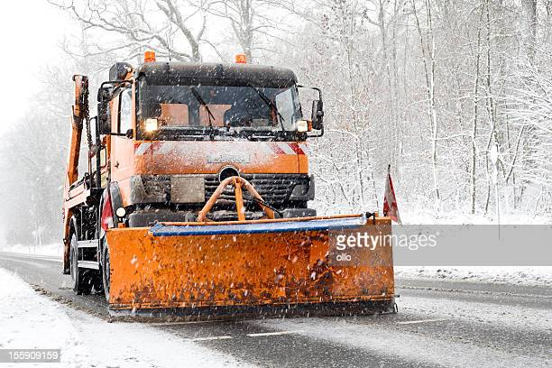snow plow truck - bad road conditions, heavy snowfall - snowplow stock pictures, royalty-free photos & images