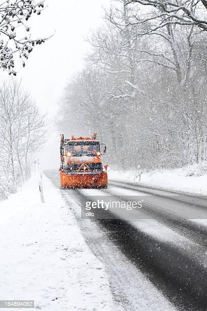 Schnee Pflug Lkw-winter starker Schneefall typisch Straßenbedingungen