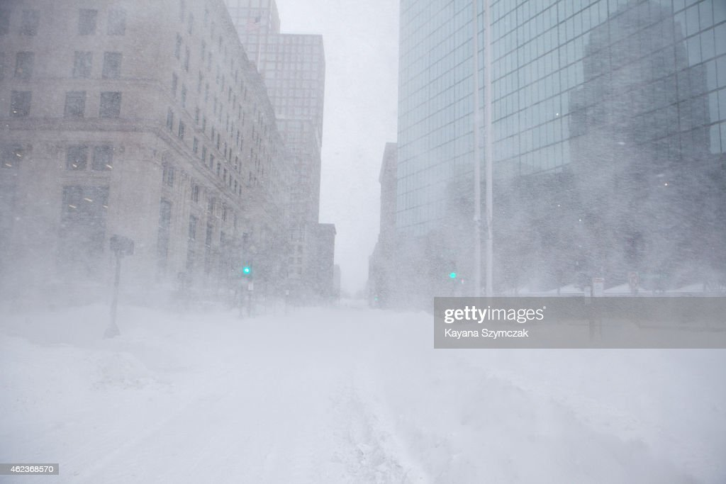 Blizzard Barrels Into Northeastern U.S. : News Photo