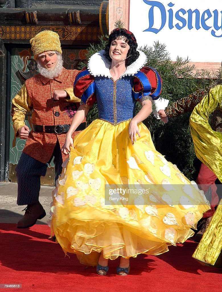 Snow White and the Seven Dwarfs News Photo - Getty Images