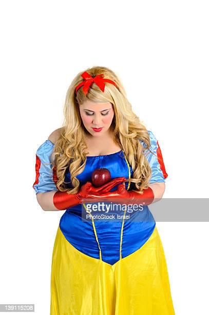 snow white with poison apple - snow white foto e immagini stock