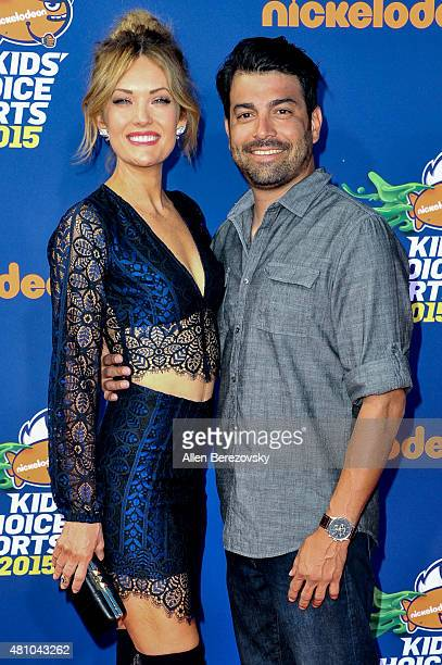 Snowboarder Amy Purdy and fiance Daniel Gale attend the Nickelodeon Kids' Choice Sports Awards 2015 at UCLA's Pauley Pavilion on July 16 2015 in...