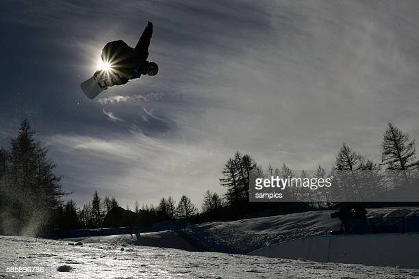 Snowboarder during the halfpipe competition for the 2006 Winter Olympics in Turin