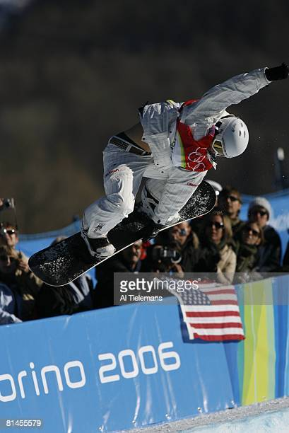 Snowboarding 2006 Winter Olympics USA Hannah Teter in action during Ladies' Halfpipe Final at Bardonecchia Alta Val di Susa Italy 2/13/2006
