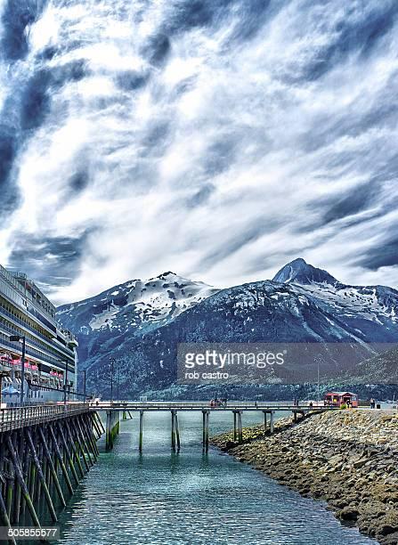 snowcap mountain in alaska - rob castro stock pictures, royalty-free photos & images