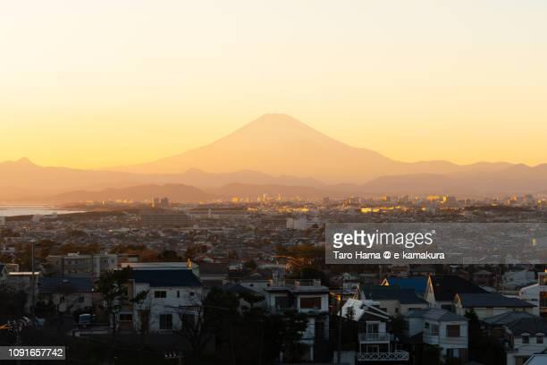 snow-capped mt. fuji and fujisawa, chigasaki and hiratsuka cities in kanagawa prefecture in japan - chigasaki stock pictures, royalty-free photos & images