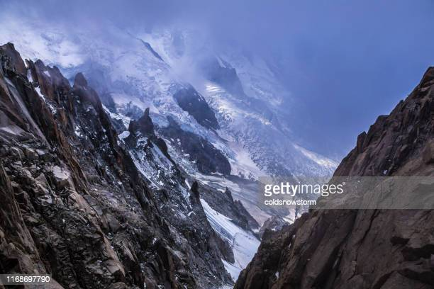 snowcapped peaks of french alps and mont blanc - chamonix stock pictures, royalty-free photos & images