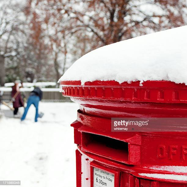 Snow-clearing with postbox